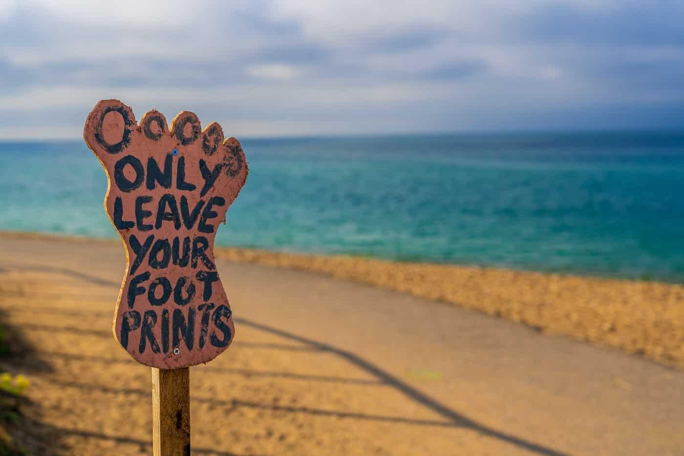 Schild am Strand von Bournemouth